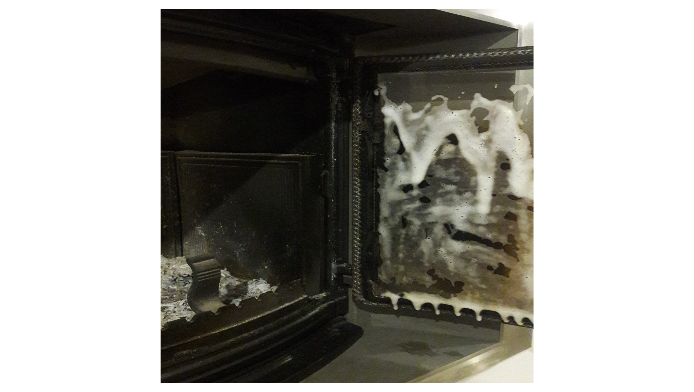 Jak wyczyścić szybę kominkową?